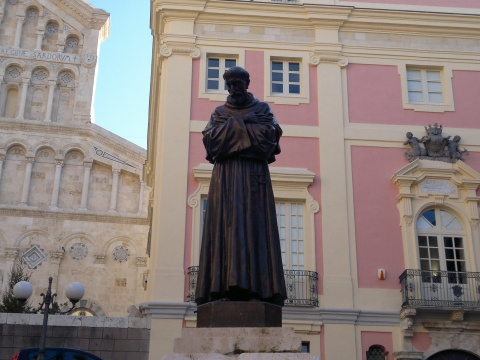 Statue of Saint Francis of Assisi (1)